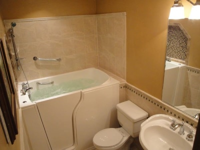 Independent Home Products, LLC installs hydrotherapy walk in tubs in Woodbranch